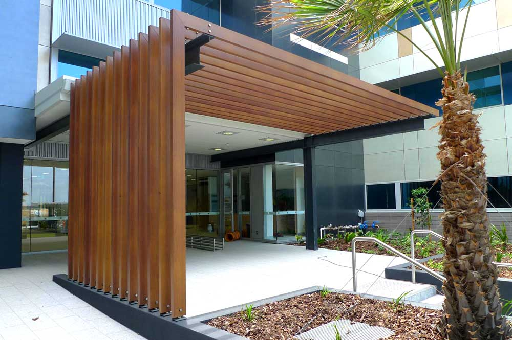 decobatten-timber-look-aluminium-sunshine-coast-private-hospital